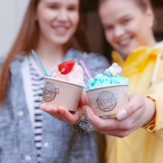 Kanavan Helmi tytöt jäätelöllä