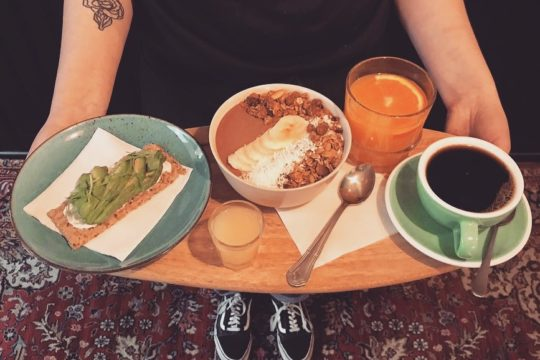 Kahvila Sivuraide aamiainen Cafe Sivuraide breakfast