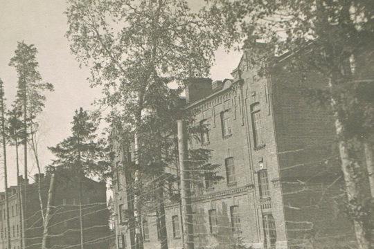 Vanha kuva Lahden Hennalasta