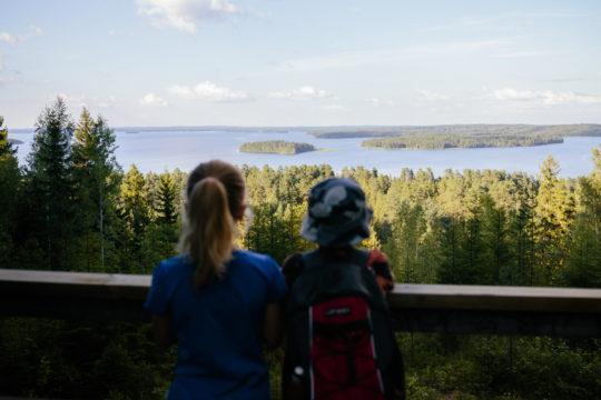 Aurinkovuori Aurinko-Ilves -reitti Asikkala Päijänne lapset näkötornissa