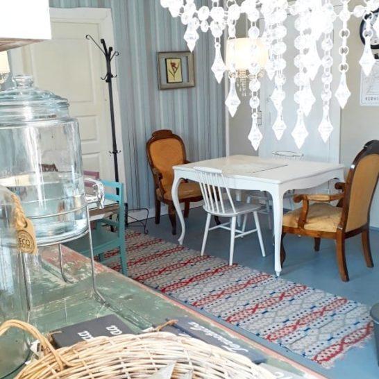HilleRin kahvila ja puoti Cafe and shop