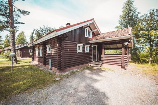 Hirsimökki Log cottage Messilä