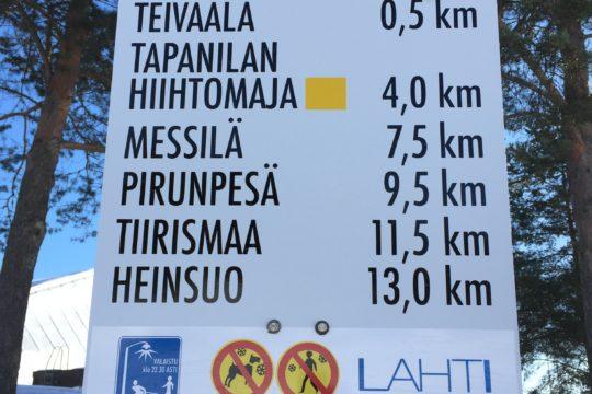 Hiihtoladut Lahden Urheilukeskuksessa cross-country skiing