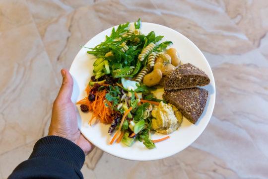 Terveellinen kasvislounas