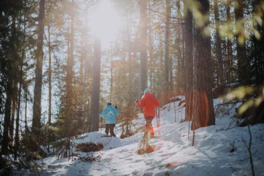 Best Lake Nature Adventures lumikenkäretki snow shoe walk