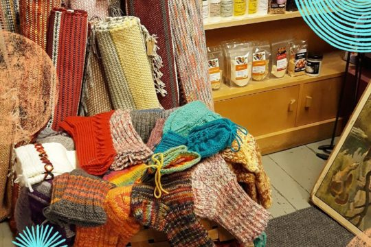 Kahvila ja käsistyöpuoti Peurankello Cafe and Handicrafts