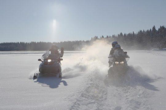 Lehmonkärki Asikkala kelkkasafari snowmobile safari