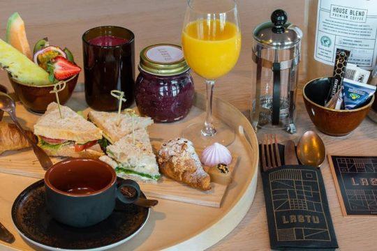 Ravintola Lastu_aamiaistarjotin